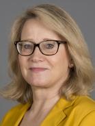 Mitarbeiter Dr. Erika Teoman-Brenner